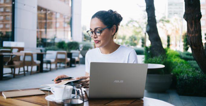 ASUS VivoBook 14 A416 Laptop Andalan Saat WFH